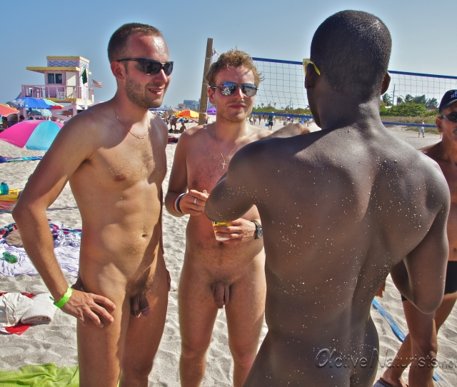 Naked Spring Bash With Florida Young Naturists  Active -9212